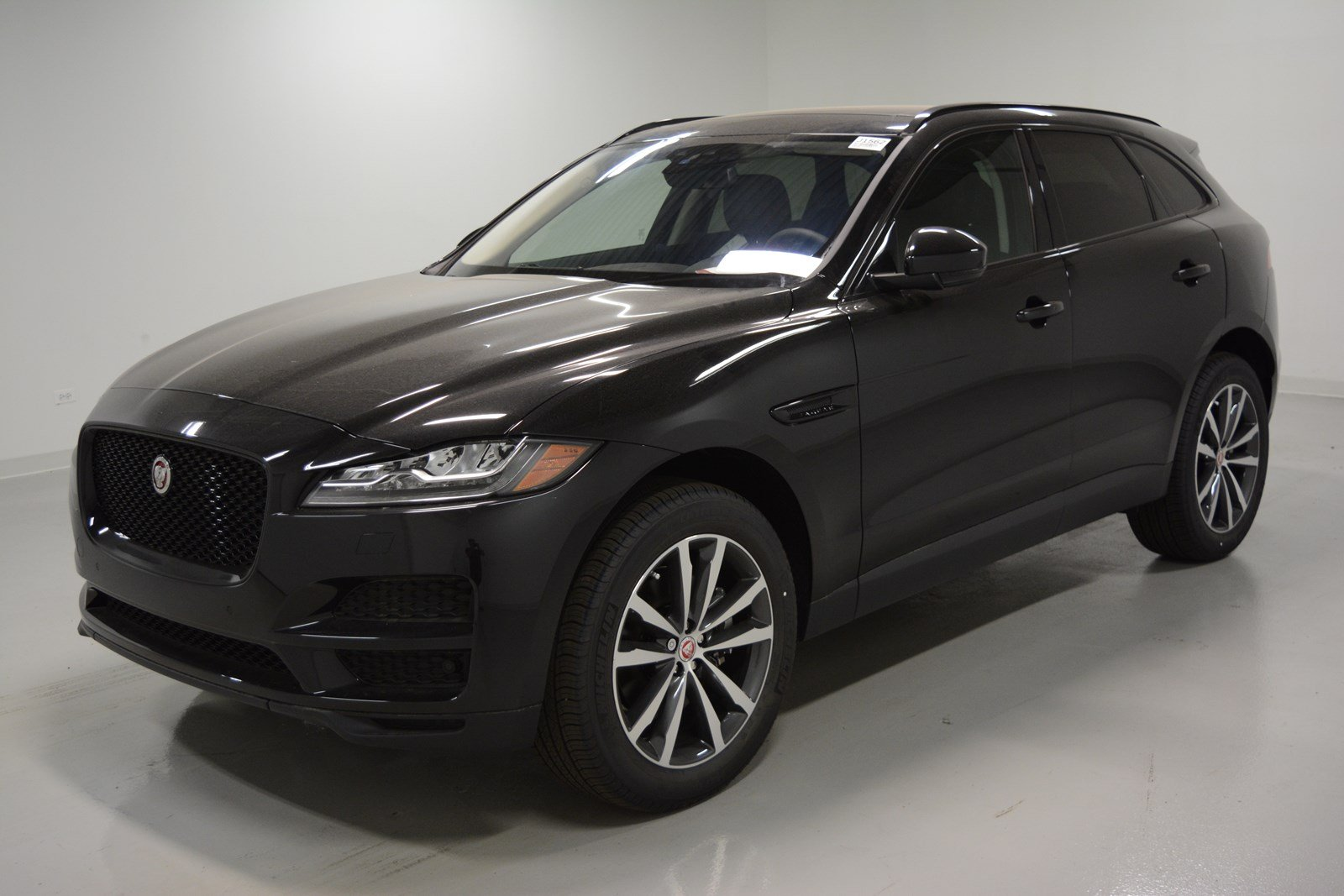 new 2018 jaguar f pace 35t prestige sport utility in. Black Bedroom Furniture Sets. Home Design Ideas