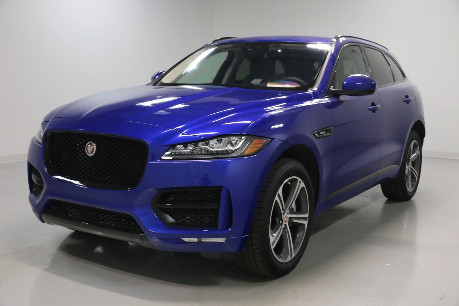 new 2018 jaguar f pace 35t r sport sport utility in elmhurst j1673 jaguar elmhurst. Black Bedroom Furniture Sets. Home Design Ideas