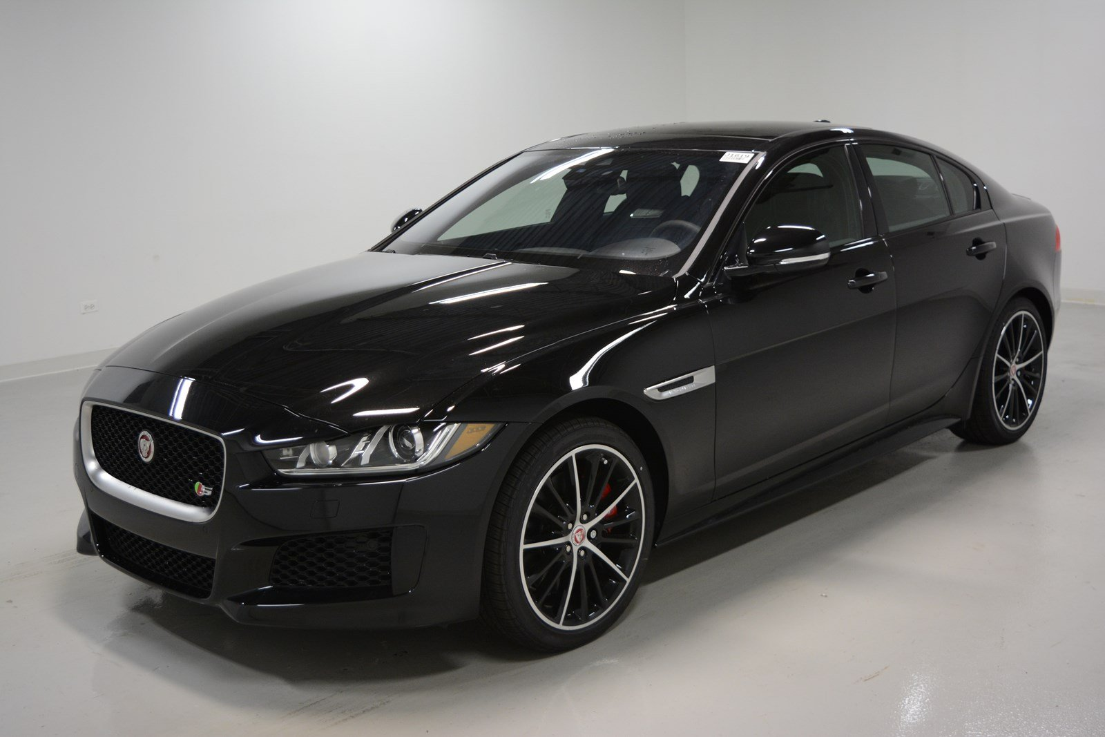 new 2018 jaguar xe s 4dr car in elmhurst j1619 jaguar elmhurst. Black Bedroom Furniture Sets. Home Design Ideas
