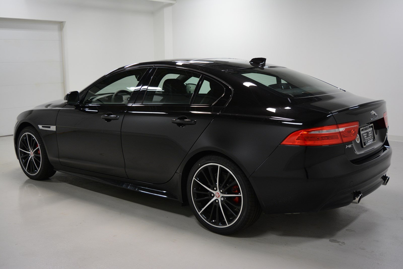 new 2018 jaguar xe s 4dr in elmhurst j1619 jaguar elmhurst. Black Bedroom Furniture Sets. Home Design Ideas