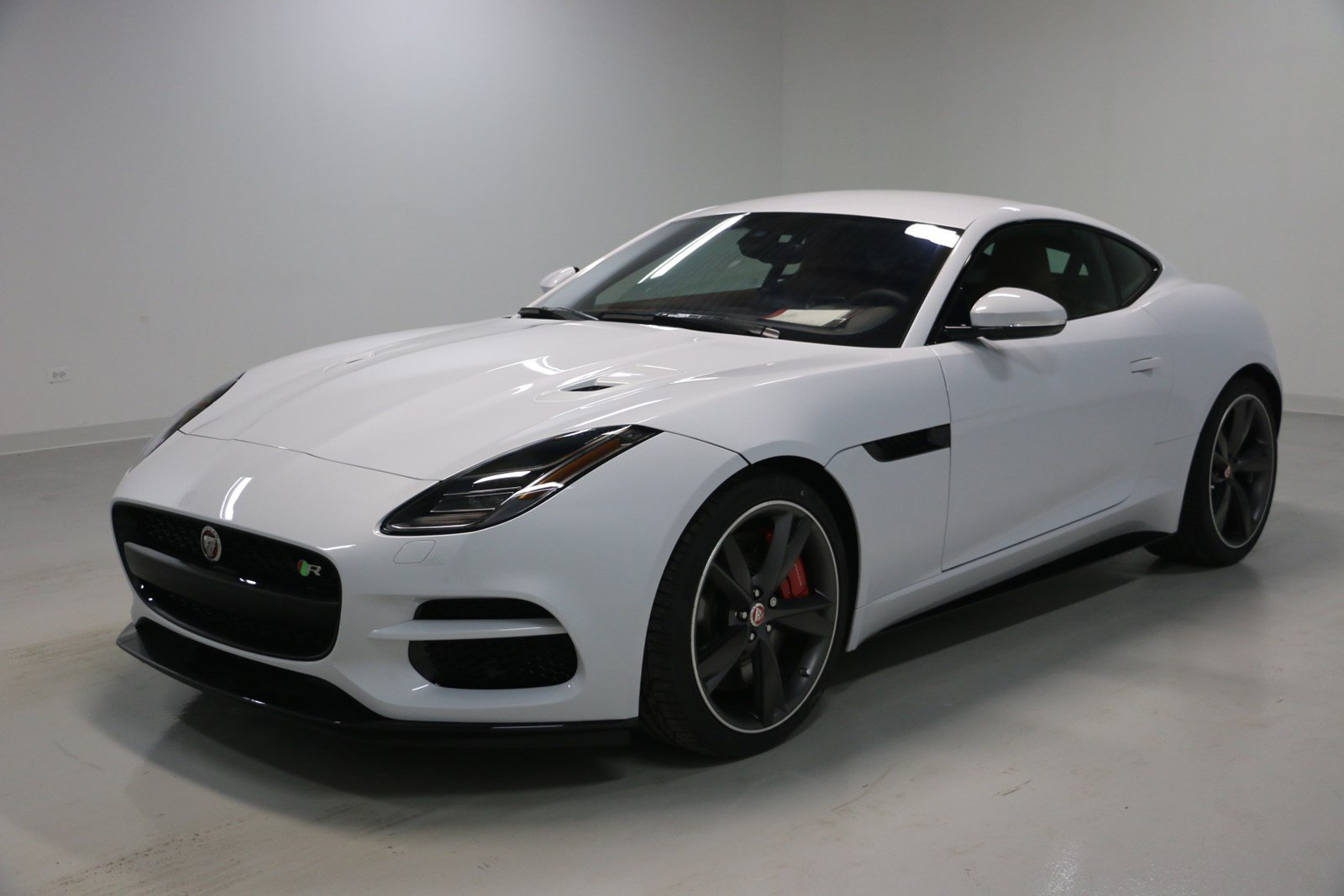 new 2018 jaguar f type v8 r 2dr car in elmhurst j1676. Black Bedroom Furniture Sets. Home Design Ideas