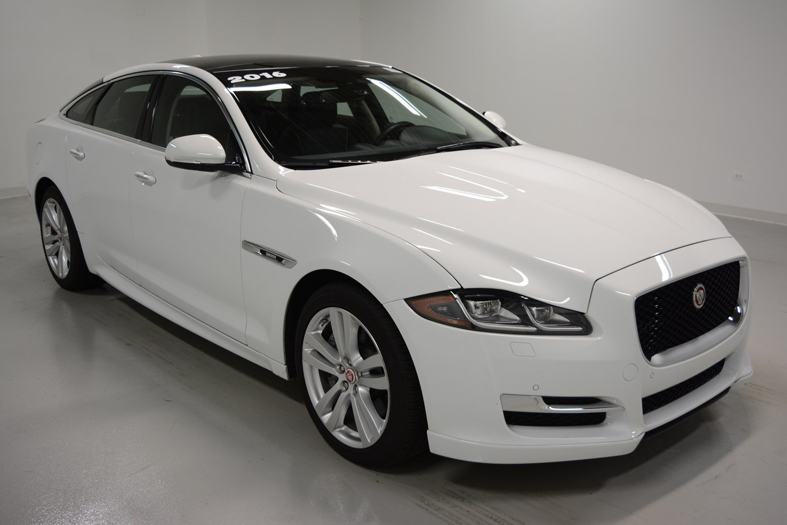 certified pre owned 2016 jaguar xj r sport 4dr car in elmhurst j1556 jaguar elmhurst. Black Bedroom Furniture Sets. Home Design Ideas