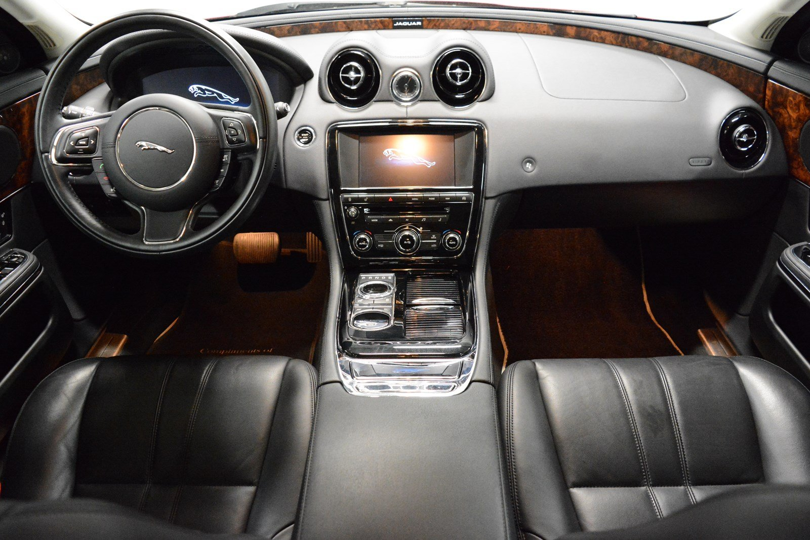 pre owned 2015 jaguar xj 4dr car in elmhurst j2372p jaguar elmhurst. Black Bedroom Furniture Sets. Home Design Ideas